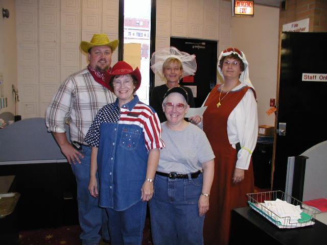 2005-10-31_Staff_Halloween_005