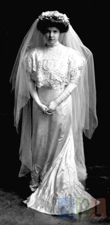 Mrs. W. G. Donald, circa 1910