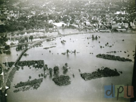 aerial-west-dav-flood-1940s.jpg