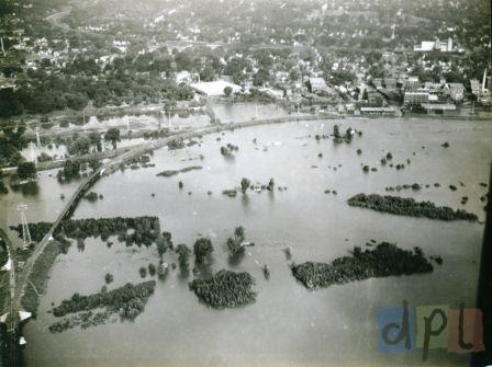 aerial-west-dav-flood-1940s.jpg