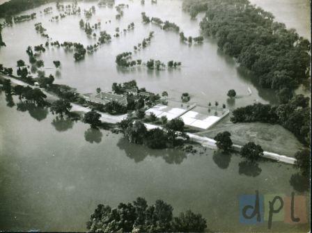 credit-island-flood-1940s.jpg