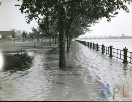leclaire-park-flood-1940s.jpg