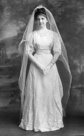 Sonntag - Bride