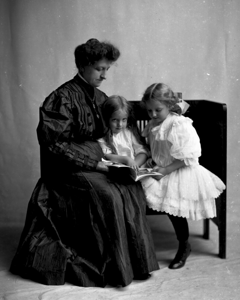 Mrs. Theo Hartz with daughters Hildegarde and Emma. Photo taken by J. B. Hostetler ca. 1905.