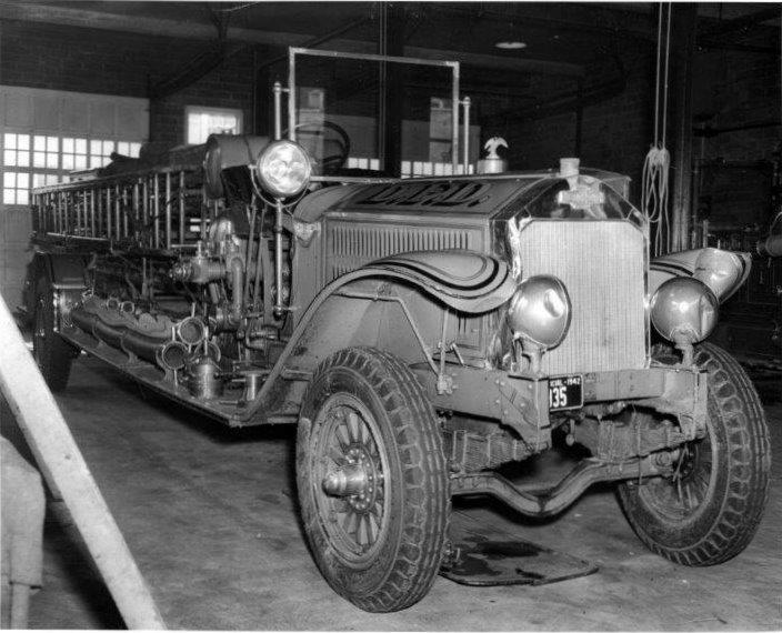 Fire Truck Left1944.600