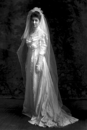 Shuler bride2.jpg