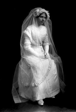 DeBeaulieu Bride