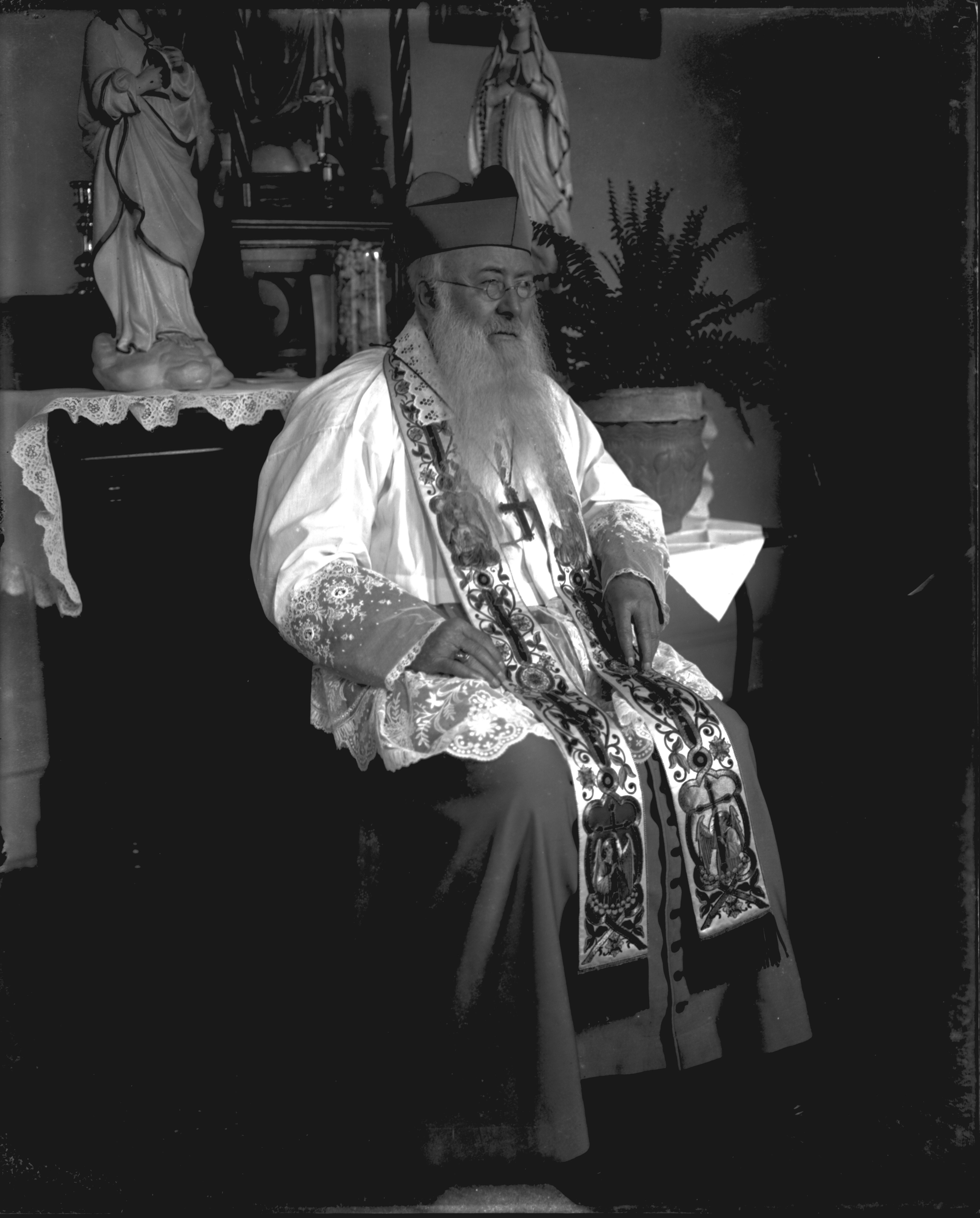 Father Anton Niermann (1909)