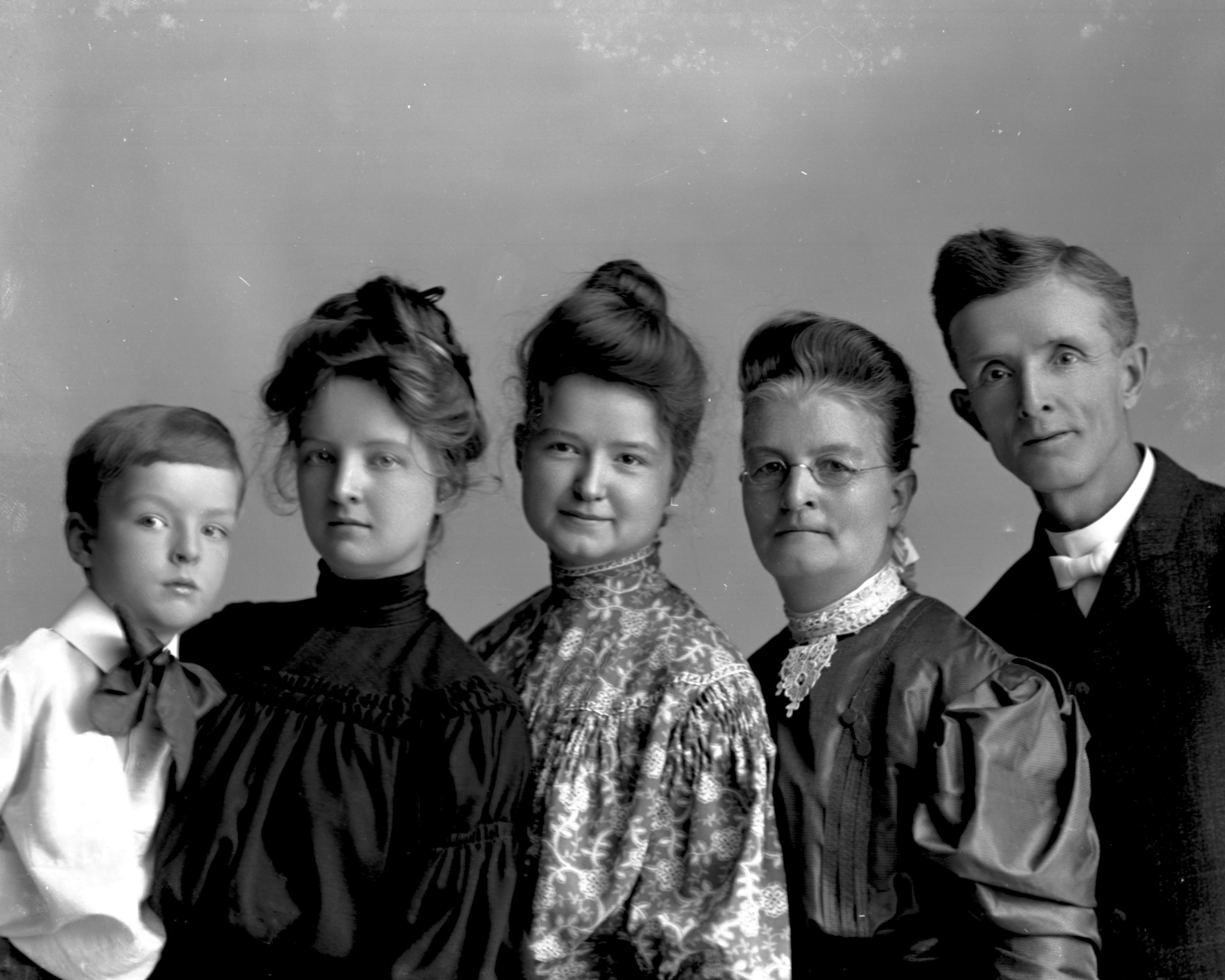 The Barrette family - George M, Mattie, Lydia, Ada & George, Jr. - ca. 1900. Photographed by J. B. Hostetler, Davenport, Iowa