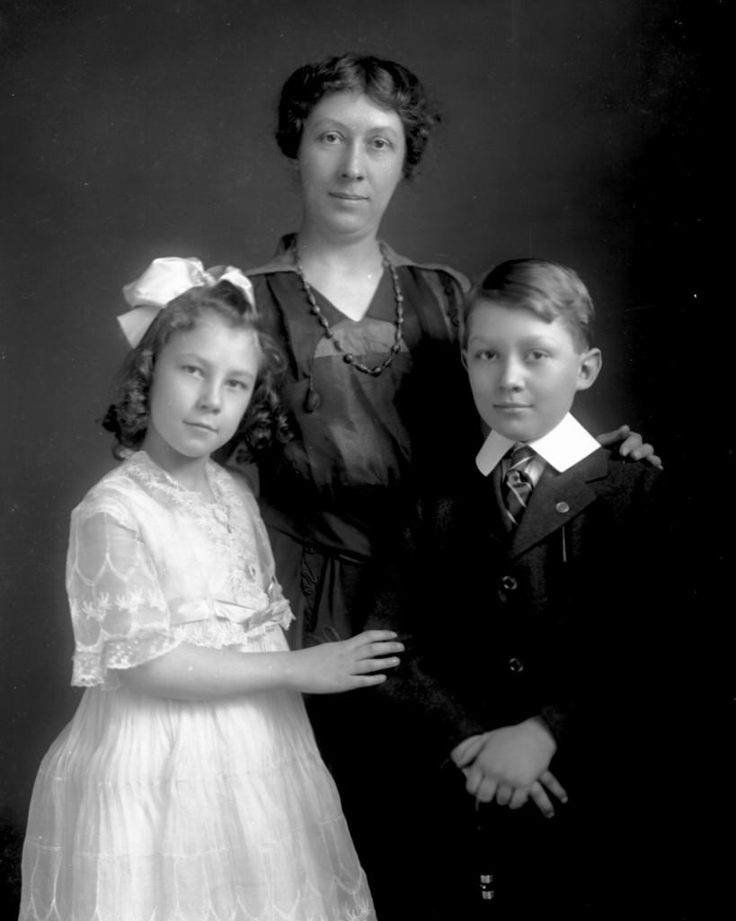 Ethel Soverhill with Elizabeth & Harvey, Jr. [ca.1917]