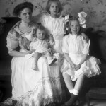Dorothea (Lefurgy) Roberts with Dorothea, Virginia & Rosara [ca. 1910]