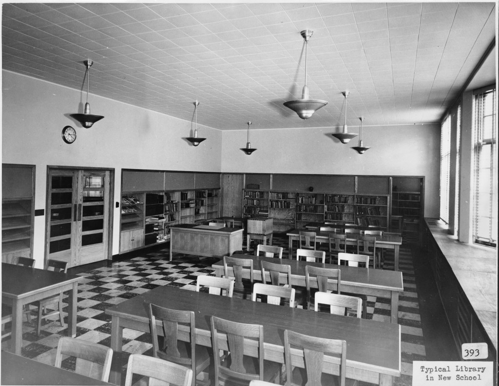 Library at Lincoln Elementary School, 318 East 7th Street, Davenport, Iowa. [c. 1940]