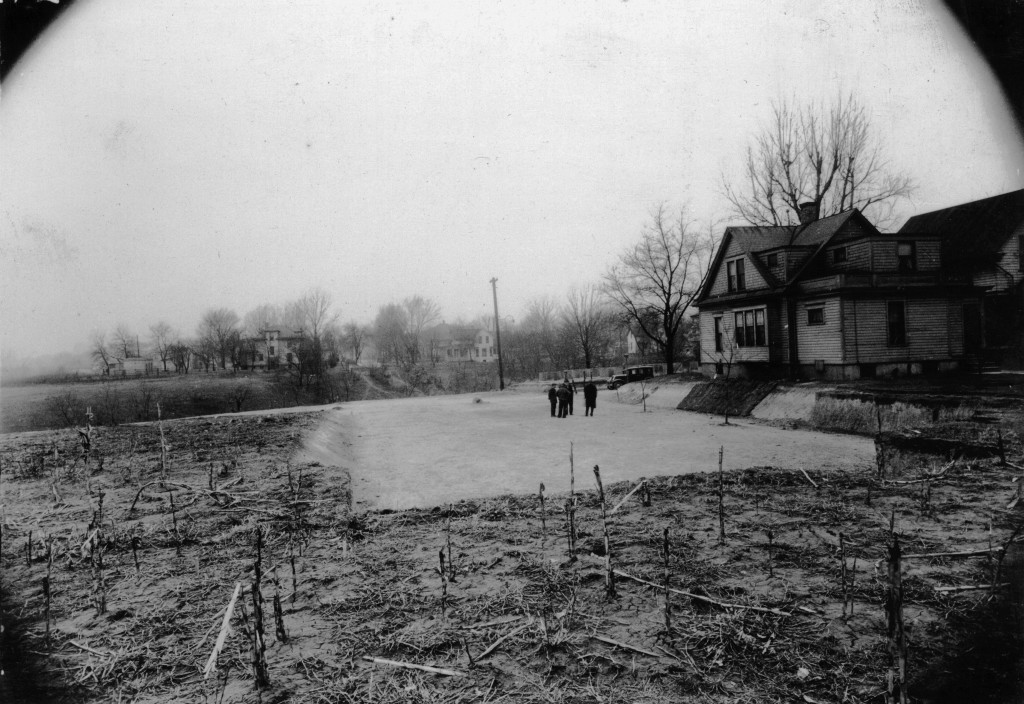 Looking east on 12th & Vine St. – CWA [28 Mar 1934]