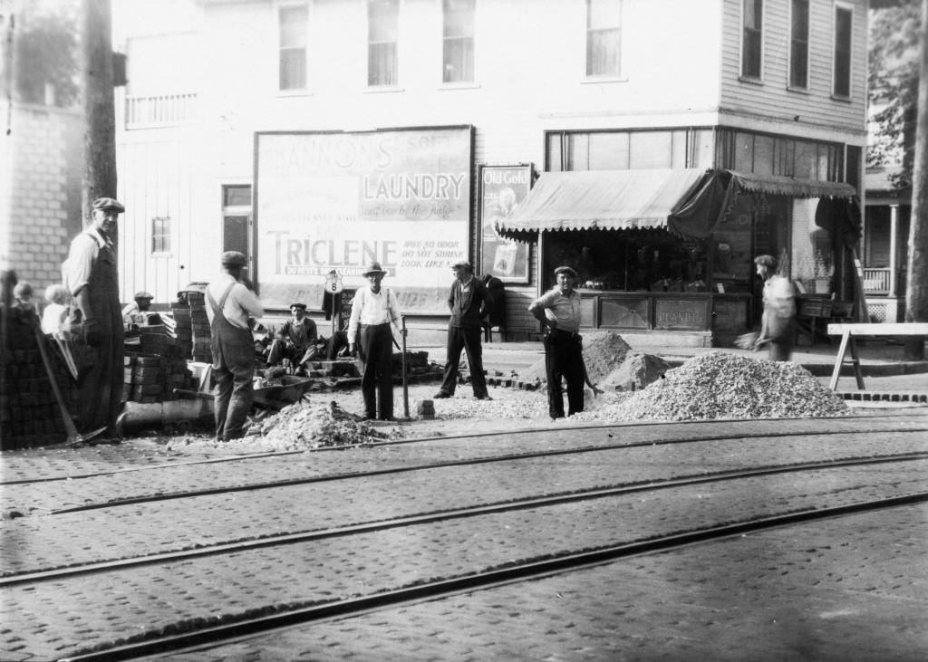 322 E. Locust St. / 1902 Iowa St. – CWA [ca. 1933]