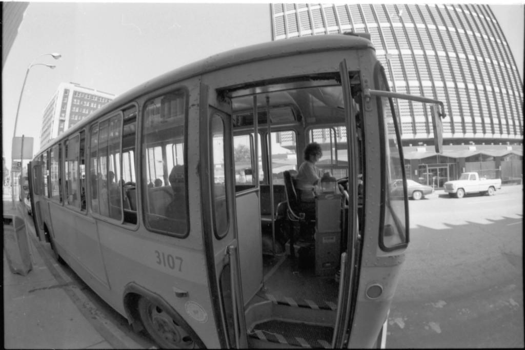 dpl2008-28 Bus3